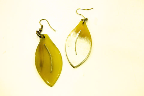 Horn leaf earrings