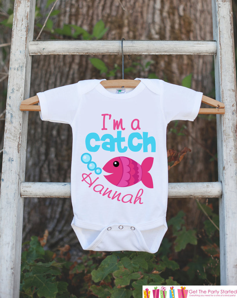 "Novelty Fish Onepiece Outfit - Personalized ""I'm a Catch"" Bodysuit for Newborn Baby Girls - Funny Infant Outfit With Name and Pink Goldfish - Get The Party Started"