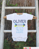 New Baby Birth Announcement Onepiece - Hipster Arrow Bodysuit for Newborn Baby Boys - Baby Boy Birth Stats Statistics with Age, Weight, Time
