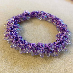Stretchy Shaggy Magatama Bracelet