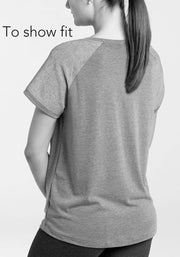 MOVING: Signature Tee, Plum Black, M,