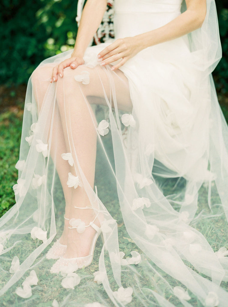 Wedding veil with silk flowers by Madame Tulle