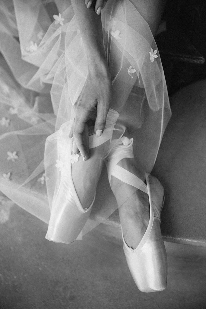 Ballerina with wedding veil Madame Tulle