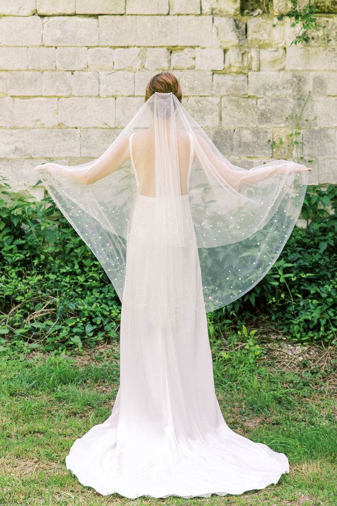 Pearl wedding veil by Madame Tulle