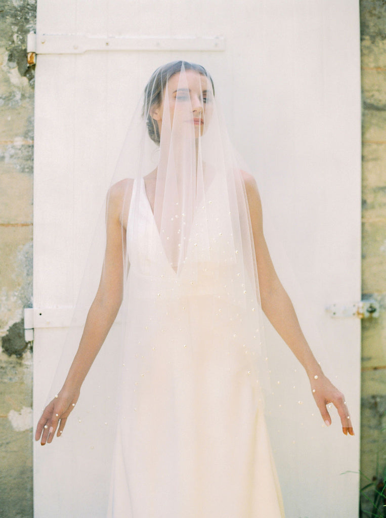 Drop veil with pearls by Madame Tulle