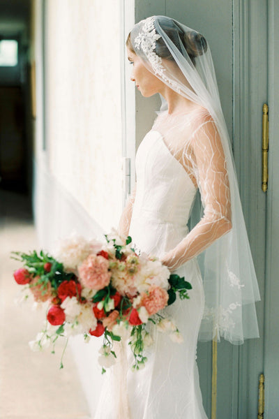 Lace wedding veil by Madame Tulle bridal