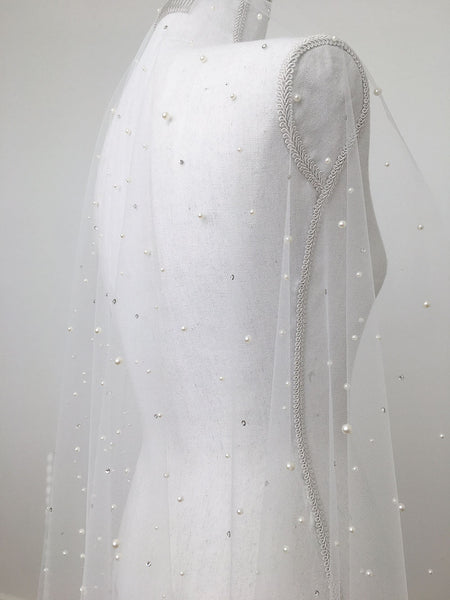 Pearl and crystal veil by Madame Tulle