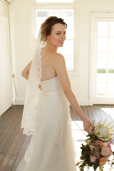 EVELYN | One Tier Veil with Lace Trim