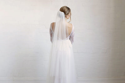 SYBIL | One Tier Veil in Fingertip Length