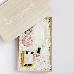 Create a gift box: Will you be my bridesmaid?