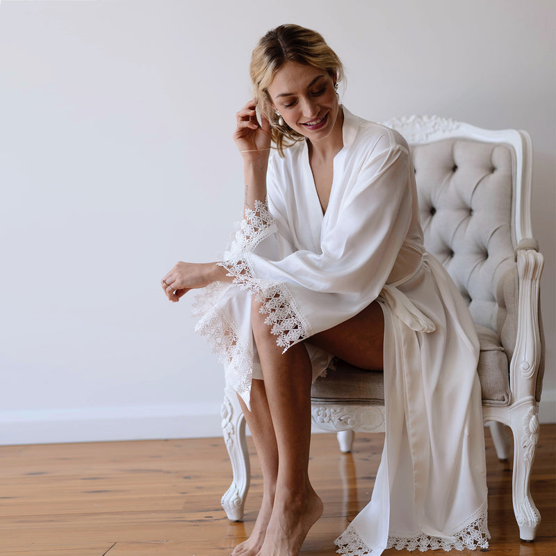 Bridal Party Robe in White (FEW LEFT)