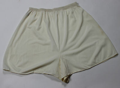 Vintage Women's Cream Rayon and Nylon Underwear by Vanity Fair Pechglo