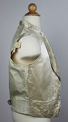 Wonderful Gentlemen's Ivory Silk Wedding Embroidered Waistcoat Vest 1840 to 1850