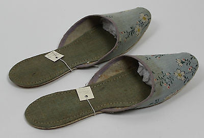 Antique Women's Floral Slipper Shoes from the 19th Century