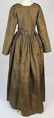 Eighteenth Century Golden Green Simple Silk Gown Drawstring Waistband c.1780