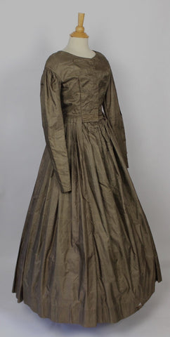 Antique Dress Lovely Silk One Piece Civl War Dress c. 1840