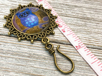 Night Owl Magnetic Portuguese Knitting Pin,  PLUS Matching Stitch Markers