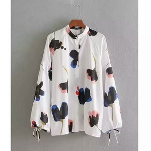 Multicolored Print White-base Blouse