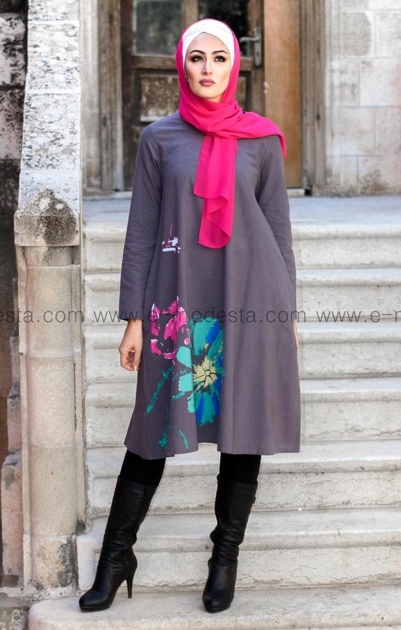 Simple Tunic with Big Side Flower