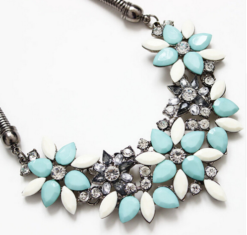 Flower Short Necklace - E-Modesta