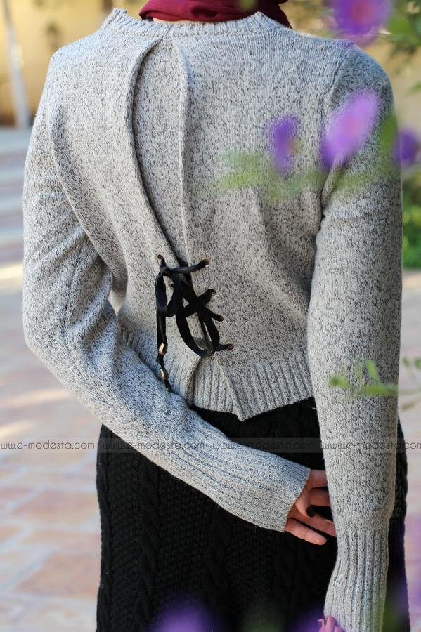 Winter Pullover with Back Tie and Bowknot - E-Modesta