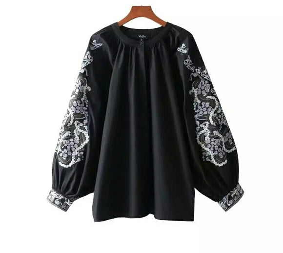 Floral Embroidery Black Loose Blouse with Long Sleeve and O neck
