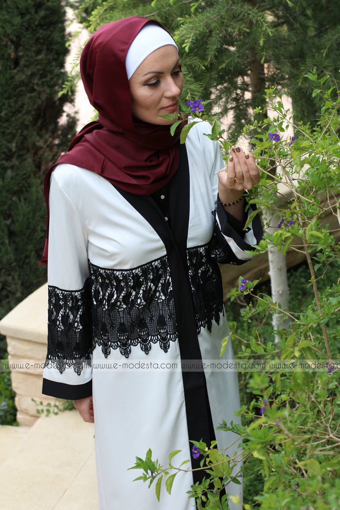 White Abaya with Black Lace - E-Modesta