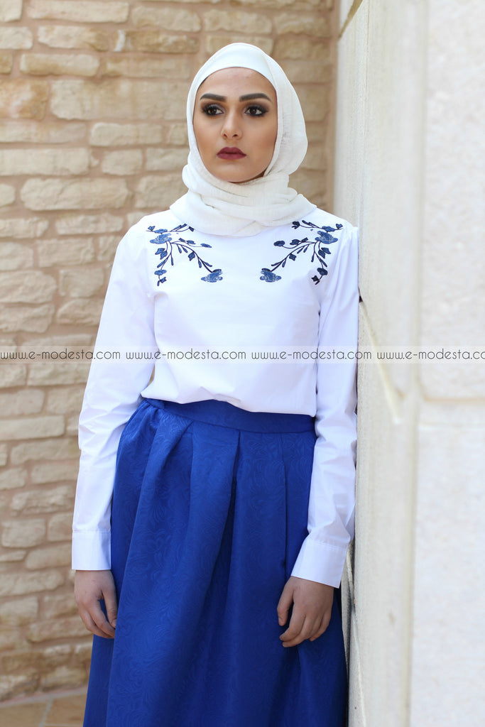 Long Sleeve O-neck Blouse with Dark Blue Embroidery - E-Modesta