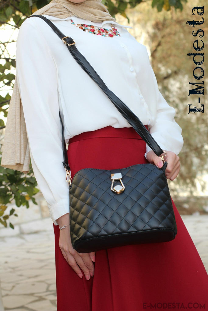 Shoulder bag with button - E-Modesta