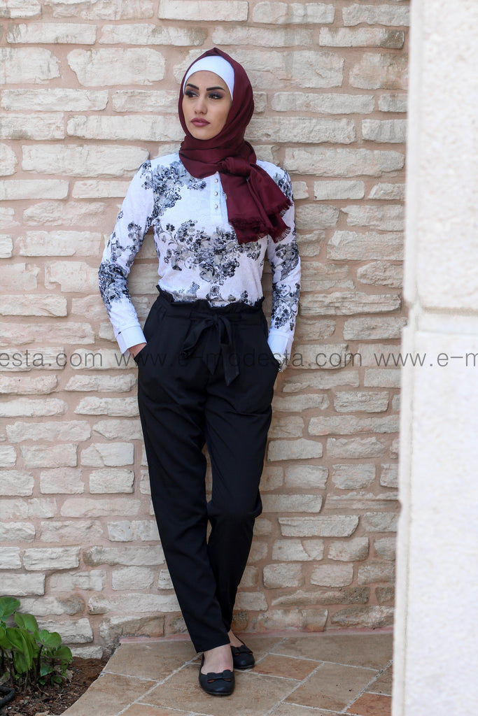 Black Pants & Crochet Blouse Outfit - E-Modesta