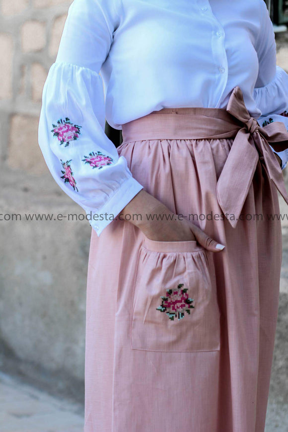 Summer Outfit - Pink skirt and white shirt