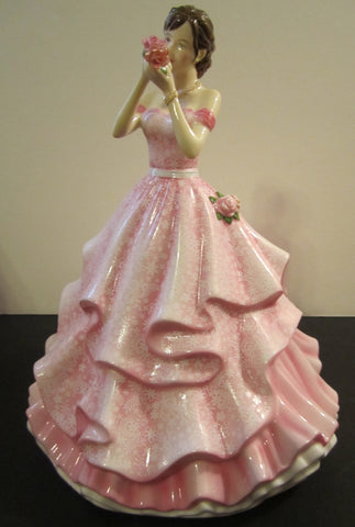 Royal Doulton Annual Pretty Ladies 2016 Happy Birthday Figurine HN 5774