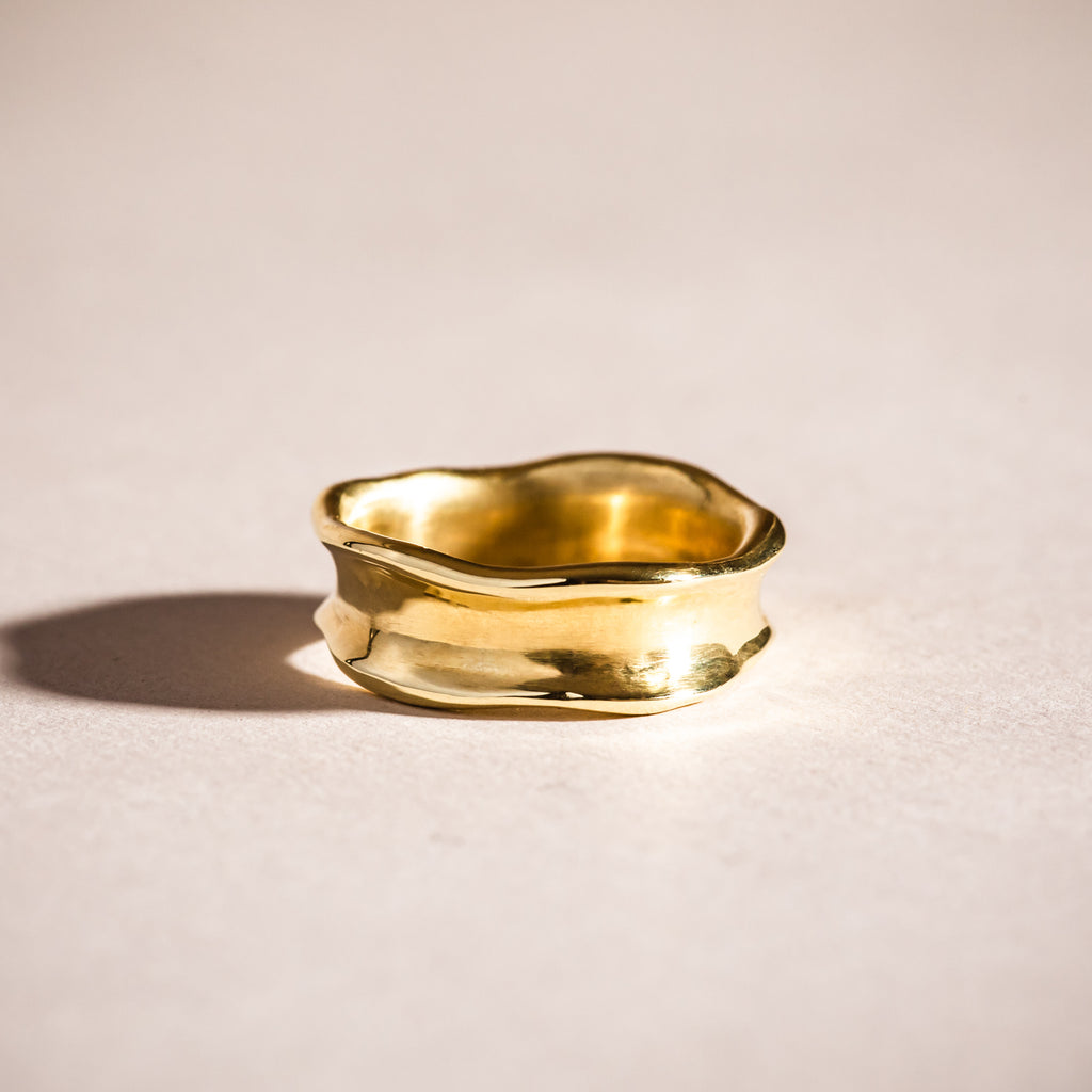 The Shoreline Edges Ring 18ct Fairtrade Gold
