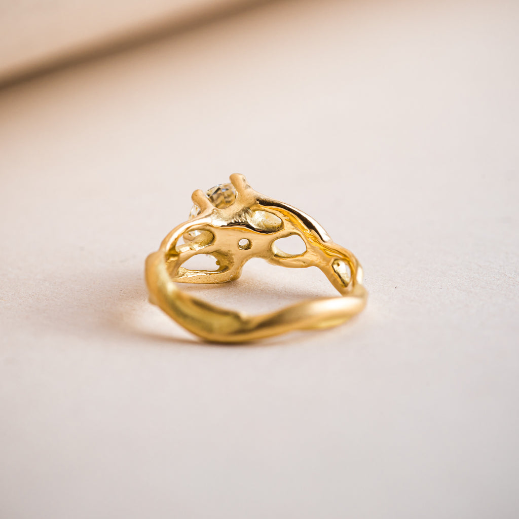 18ct yellow gold branch-like engagement ring