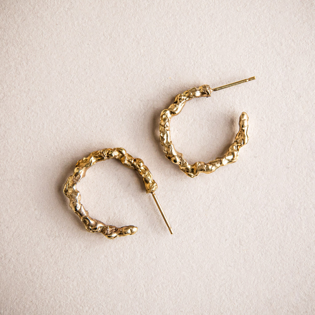 Simple, small 18ct yellow gold loop earrings