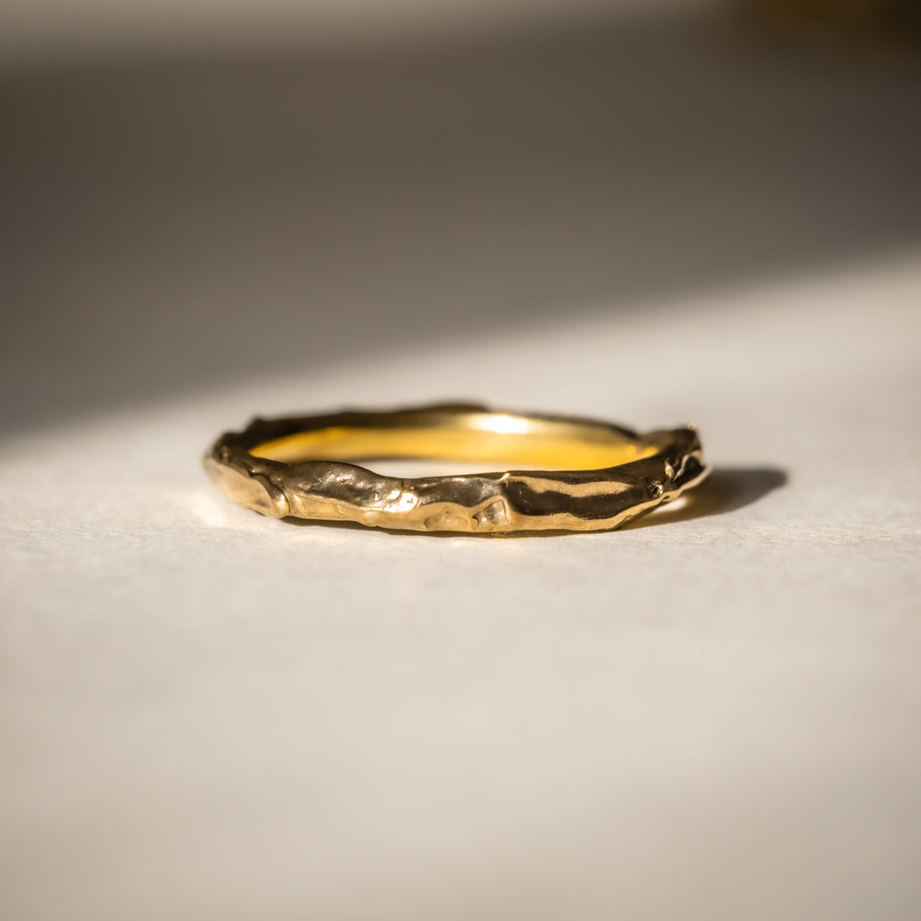 Simple yellow gold wedding in 18ct Fairtrade Gold