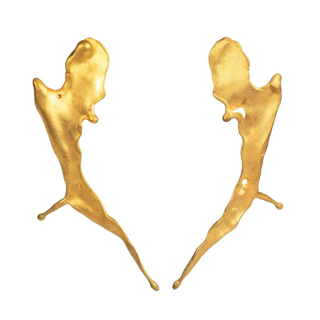 Large dynamic yellow gold earrings