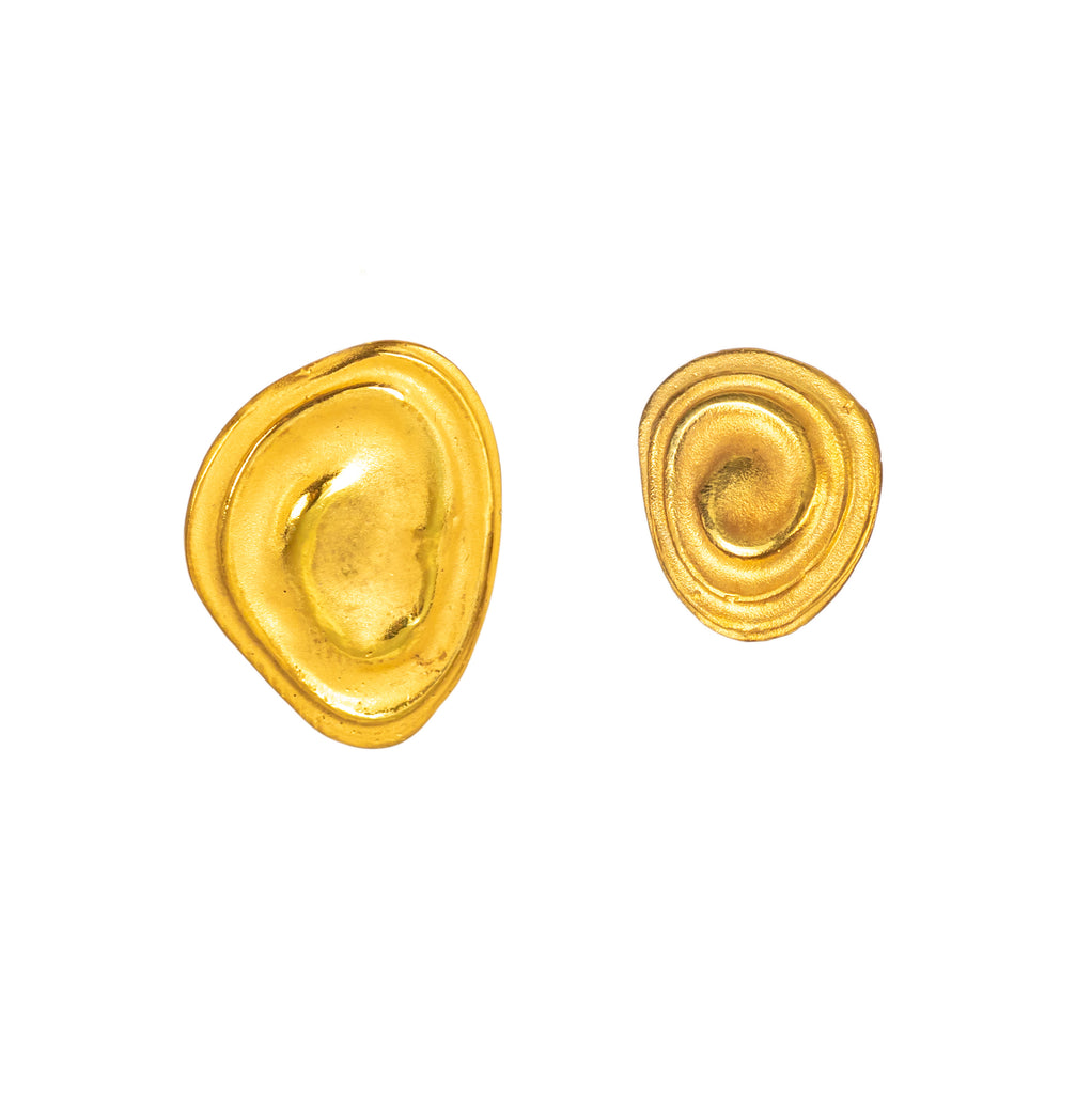 Little 18ct gold ripple earrings
