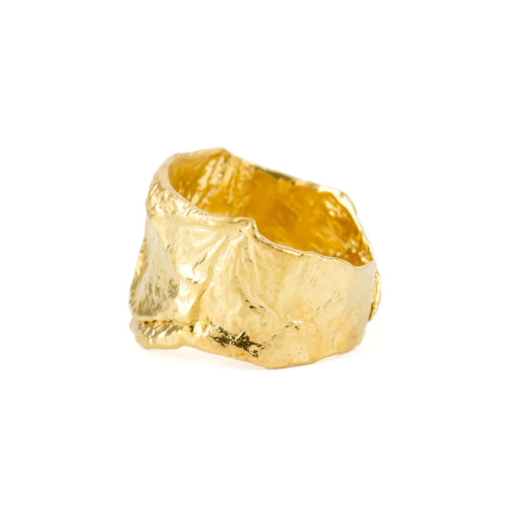 Textured 18ct yellow gold ring