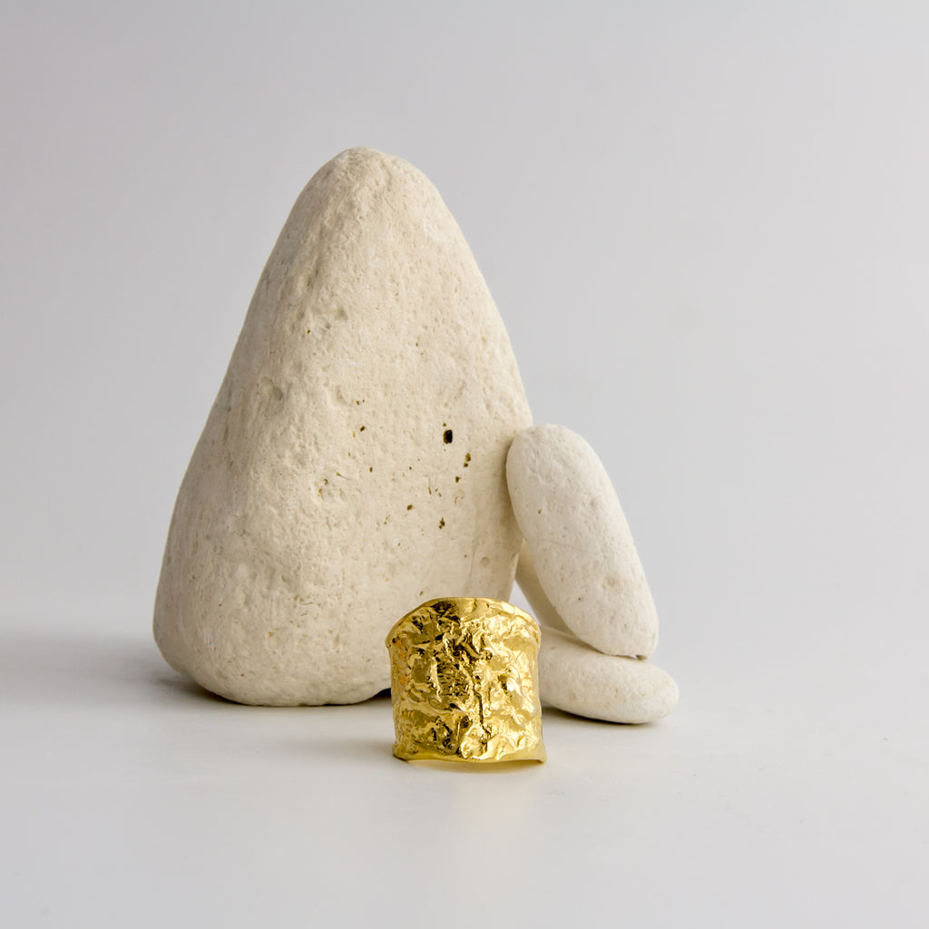 Textured yellow gold ring