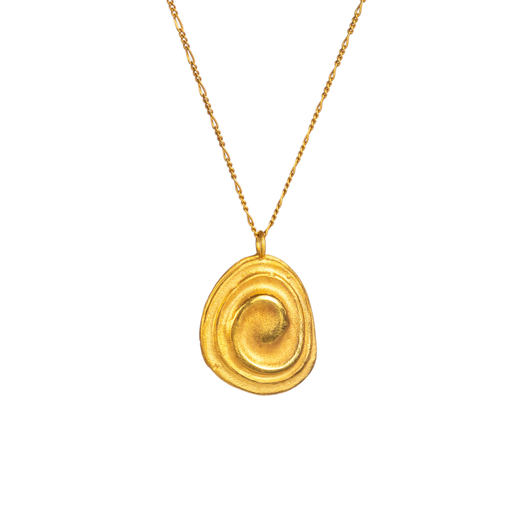 Dainty yellow gold pendant with water ripples