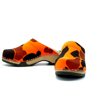 Embla Clogs | Blaze Orange Camouflage - MAGNAFIED.COM