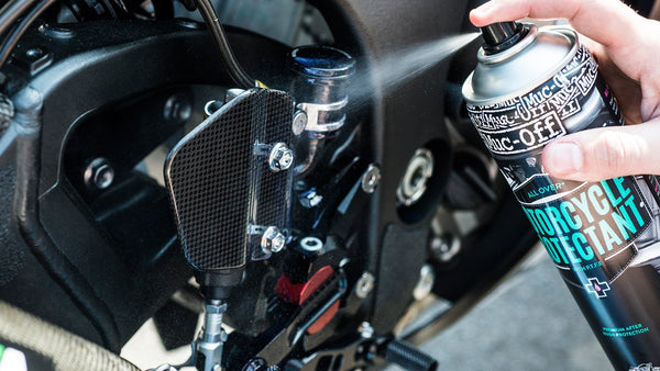 slider - Motorcycle Clean Protect and Lube Kit - Muc-Off UK