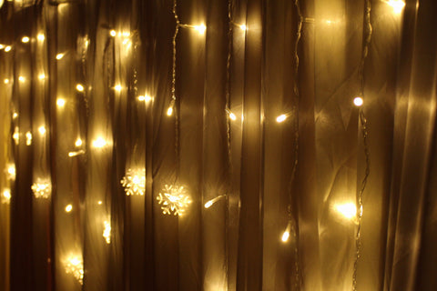 Icicle Lights with Snowflakes - cascade