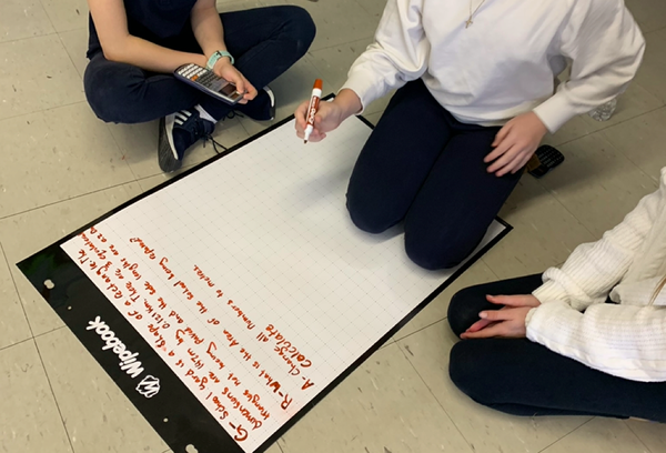 Whiteboard_VNPS_Thinkingclassroom_Teacher_math_Lesson_groupwork_School