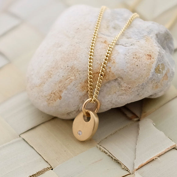 Diamond and Gold Pebble Necklace 9ct