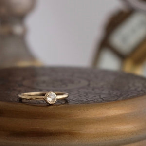 Simple Circle Diamond Gold Ring by Joy Everley