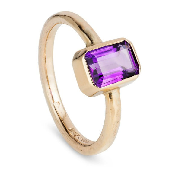 9ct solid gold and amethyst cocktail ring