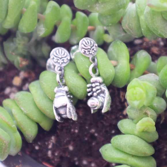 Dark silver bee earrings