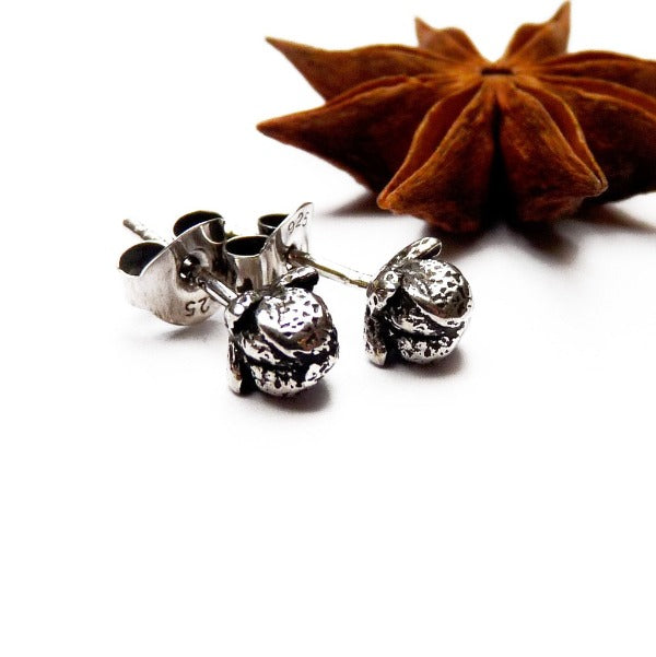 Dark silver clove stud earrings